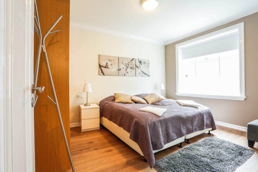 Bedroom with 2 90 cm beds